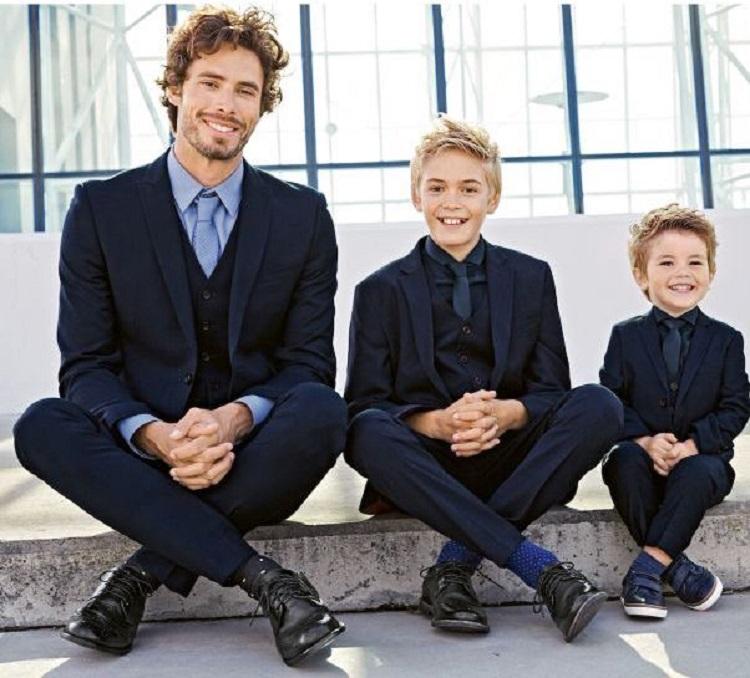 Baju formal couple anak dan ayah, Sumber : brilio.net