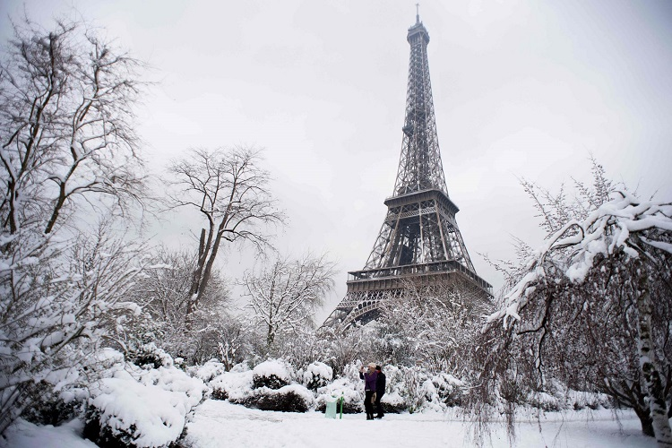Hujan salju, Sumber : mediaindonesia.com