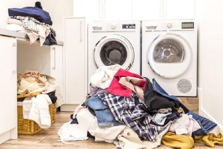 Ilustrasi pakaian kotor, Sumber : enervon.co.id